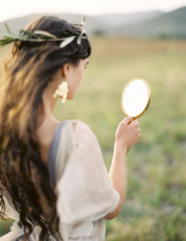 greek-goddess-greek-goddesses-grecian-wedding-inspiration-wedding-hairstyles-accessories